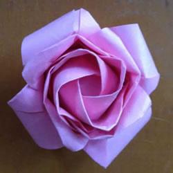 原创微微玫瑰的折法 详细折纸玫瑰花过程步骤