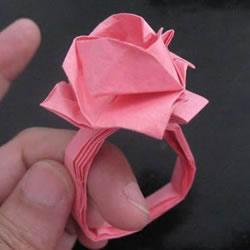 赠送初恋的小礼物!折纸蔷薇戒指的折法图解