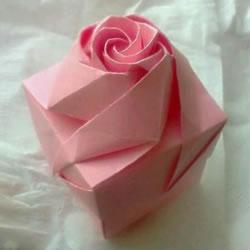 情人节礼品盒折纸图解 好看韩式玫瑰礼盒的折法