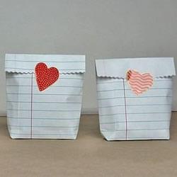 迷你小袋子折法图解 简易礼品纸袋折纸教程