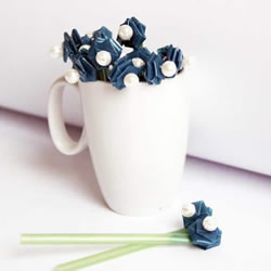 吸管编花的图解教程 插入花瓶做成漂亮插花