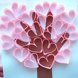 幼儿园手工小制作 用卡纸做母亲节爱心卡片