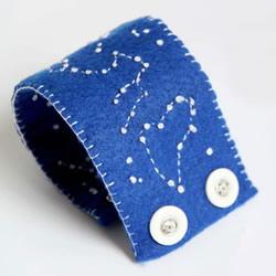 最爱美丽的星空!手工布艺星空腕带的做法