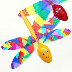 幼儿园废物利用小制作 用一次性勺子做蜻蜓