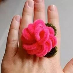 扭扭棒花朵戒指的做法 幼儿手工制作戒指教程