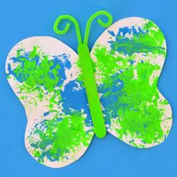 颜料随意涂鸦 手工制作一只简单的卡纸蝴蝶