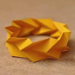卡纸折手镯的图解教程 教你折出立体几何手镯