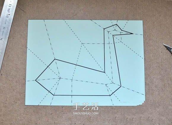 一張紙只剪一刀就剪出天鵝的折疊剪紙教程