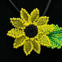 简单又漂亮的串珠教程 手工串珠向日葵项链坠