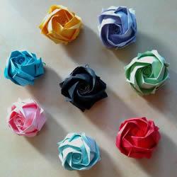 带花心川崎玫瑰怎么折 折纸川崎玫瑰花的过程