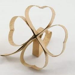 用卷纸芯做四叶草的方法 废物利用制作幸运草