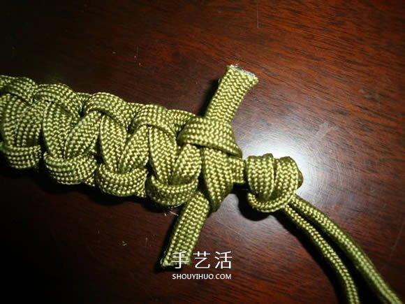 荒野求生同款傘繩手鏈的編法 編一個送男友吧~