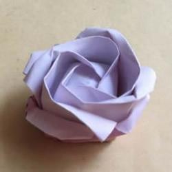 手工川崎玫瑰折纸图解 步骤图片拍摄很清晰!