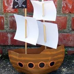 幼儿园用纸盘做小船的教程 可爱的帆船模型!