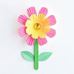 怎么用蛋糕纸做花朵 幼儿手工制作蛋糕纸小花