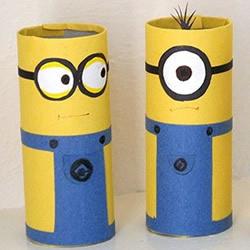 幼儿园手工小制作 自制卷纸筒小黄人的步