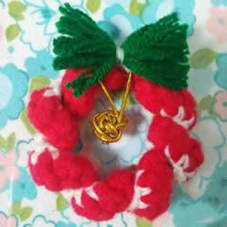 手工钩针编织圣诞花环挂饰的方法图解