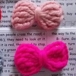 小巧可爱的装饰 手工钩针编织蝴蝶结的图解