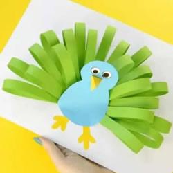 幼儿园手工做孔雀开屏 用到贺卡上也是美美哒