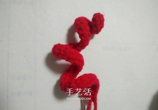 手工鉤針編織聖誕花環掛飾的方法圖解