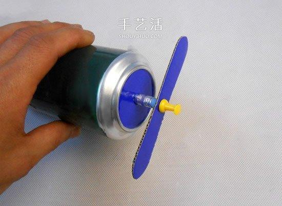啤酒易拉罐废物利用 手工制作老式飞机模型 -  www.shouyihuo.com
