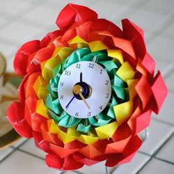 折纸组合式美丽花朵 做一个花型闹钟的教程