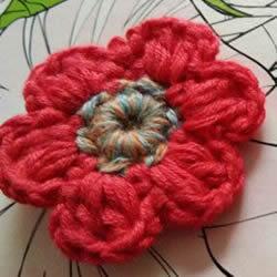 毛线小花的钩针编织图解 六瓣花朵的编织教程