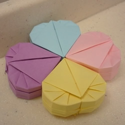 心形礼品盒折纸方法 带盖爱心盒子怎么折图解