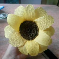用皱纹纸做向日葵图解 简单详细步骤DIY太阳花