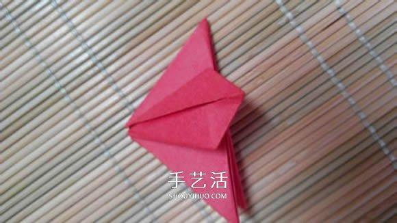 即将完全开花的荷花的折纸方法图解过程 -  www.shouyihuo.com
