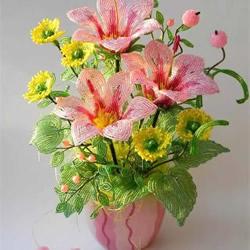 美到极致的串珠花朵 做成插花工艺品装饰