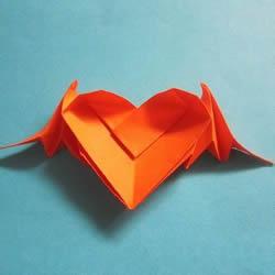 会飞的心折纸图解教程 折纸爱心的折法带翅膀