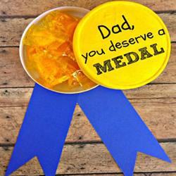 送给爸爸的奖牌!父亲节小礼物手工制作教程