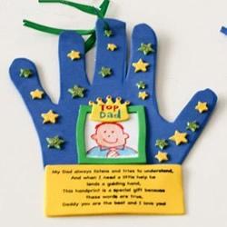 创意父亲节卡片DIY 海绵纸制作手掌贺卡方法