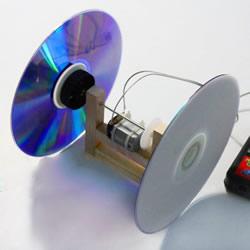 自制电动平衡车玩具 用光盘制作电动平衡玩具
