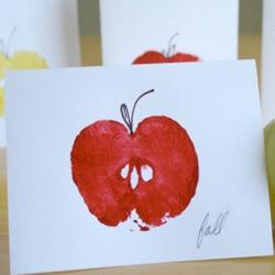 用一只真正的苹果做!可爱苹果贺卡的制作方法