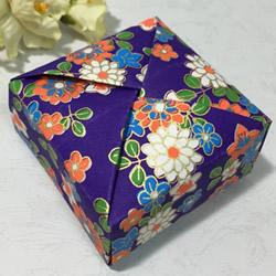 一张纸折方形礼盒图解 简易好用礼盒的折法