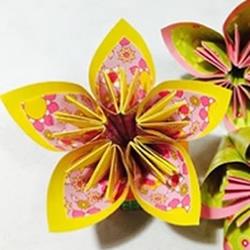 3种立体樱花的折纸方法 先折花瓣再组成纸花