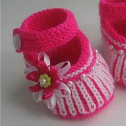 女宝宝保暖毛线鞋编织图解 带扣带和花朵装饰