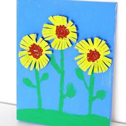 幼儿园重阳节小手工 用鸡蛋托制作菊花贴画