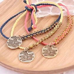 带挂件串珠编织手链DIY 洋溢着活泼可爱的气息