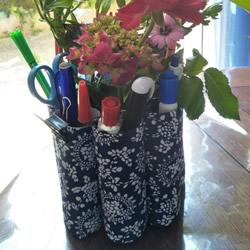 卫生纸筒废物利用 手工制作多孔插花笔筒做法