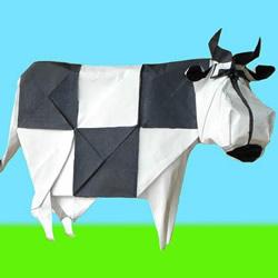 超难的方块奶牛折纸 用黑白色表现身上花纹