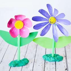 儿童饮料瓶废物利用DIY 做可爱的塑料小花