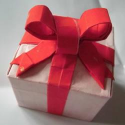 只用一张纸!折纸蝴蝶结礼品盒的图解步骤