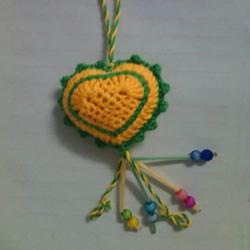 简单钩针编织教程:毛线爱心小挂饰的织法