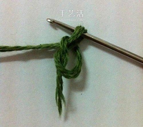 毛線編織蓮花胸針的方法 鉤針荷花胸花的編法