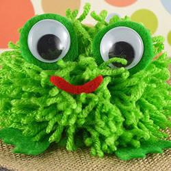 毛线小青蛙手工制作 幼儿做毛线球青蛙的方法