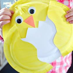 幼儿自制生日礼物教程 用纸盘做破壳的小鸡