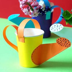 一次性纸杯制作洒水壶 幼儿手工洒水壶的做法